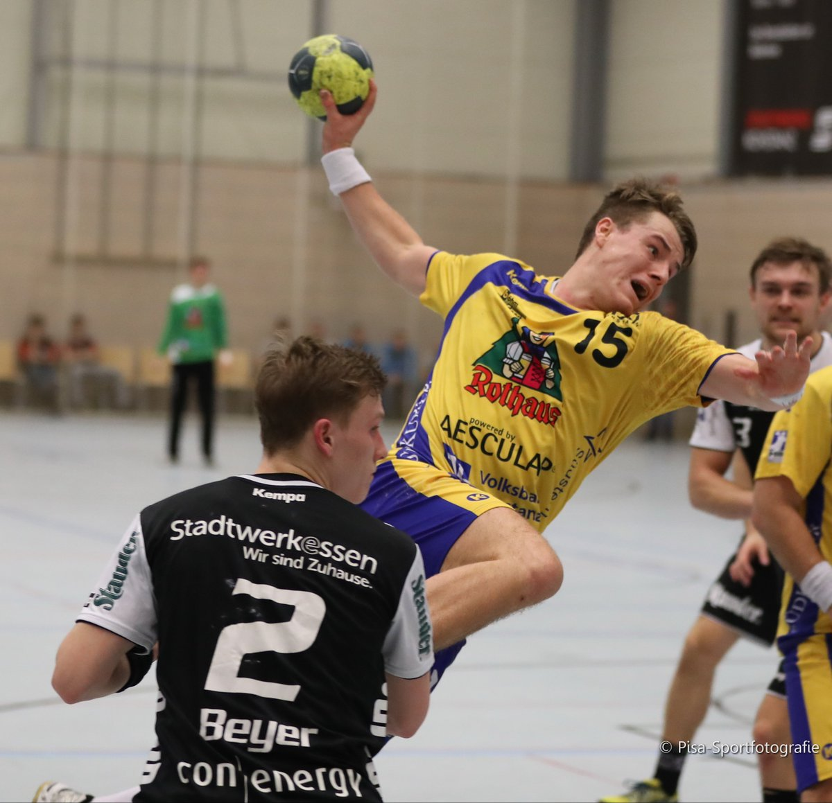 #HSGKonstanz vergibt große Chance bei @TUSEMHandball  https://t.co/idv6bnbhmb #Konstanz #Handball #Sport #HSG #2HBL https://t.co/jIBRA0o1GA