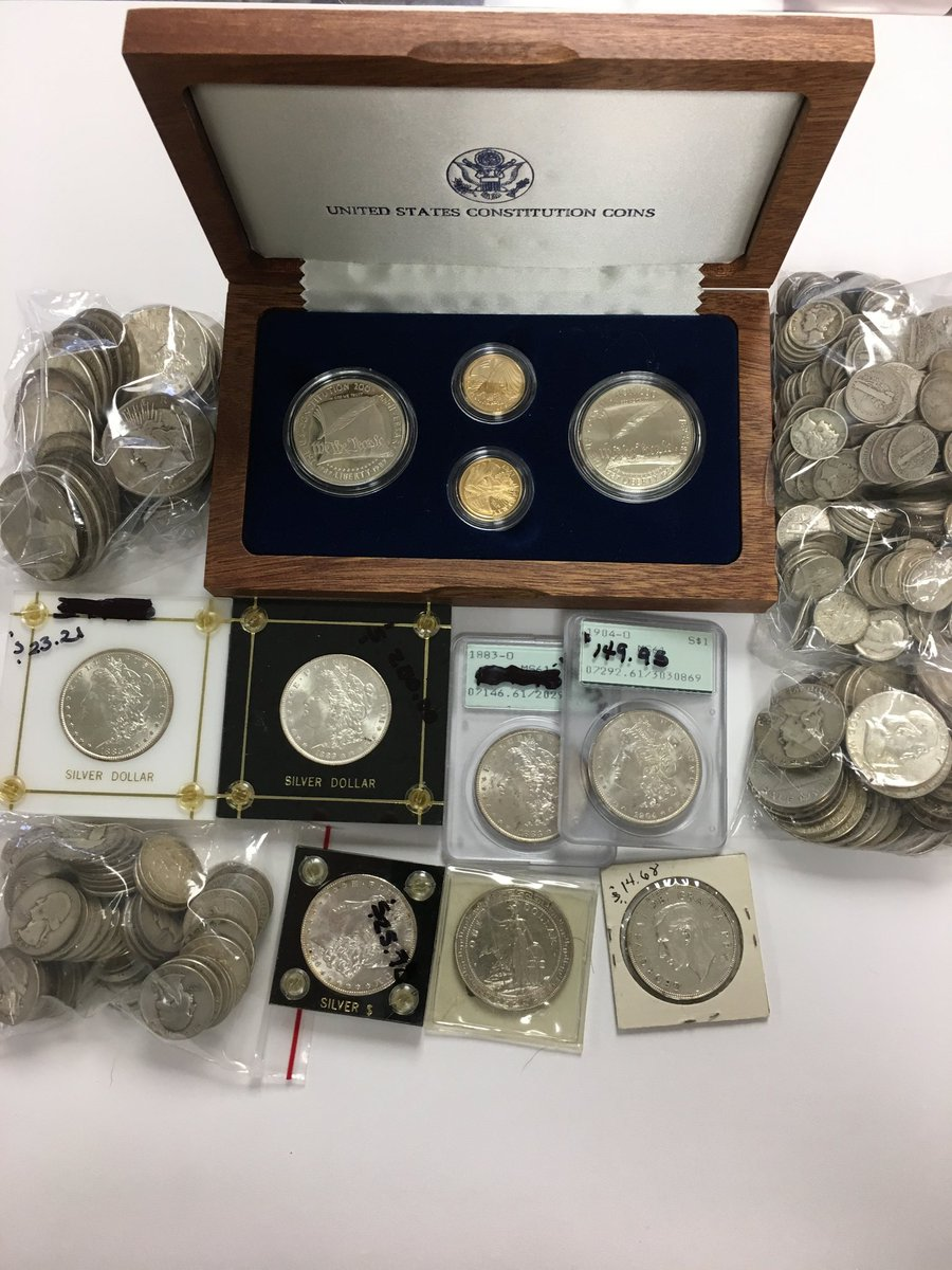 Nice little collection in today. Good mix of #gold and #silver #coins #Amerigems #BestBuyers #Morgan #Peace #Kennedy #Mercury #collectables<br>http://pic.twitter.com/oWOl0chaSe