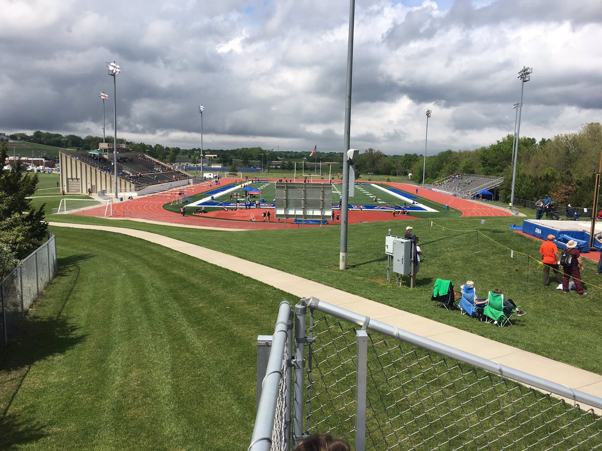 Camien-Welch Invitational track meet @SeamanSchools today! Many of the best athletes in @KSHSAA participating. #SchoolActivities pic.twitter.com/au1grFytf9