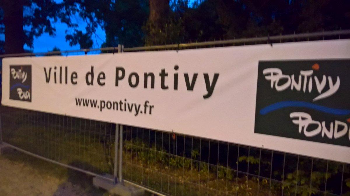 #pondiday #pontivy 3jours #militaire #dday #souvenirs @JARNIGONM @soizicperrault @JestinHerve <br>http://pic.twitter.com/wSZV4qwRRl