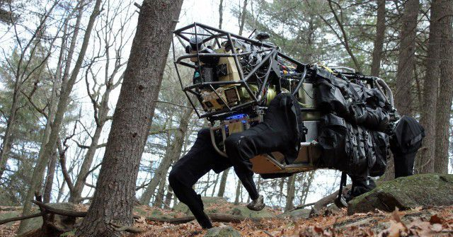 Boston Dynamics has been using its robot 'dog' to deliver packages in Boston https://t.co/wYnehC3rUc