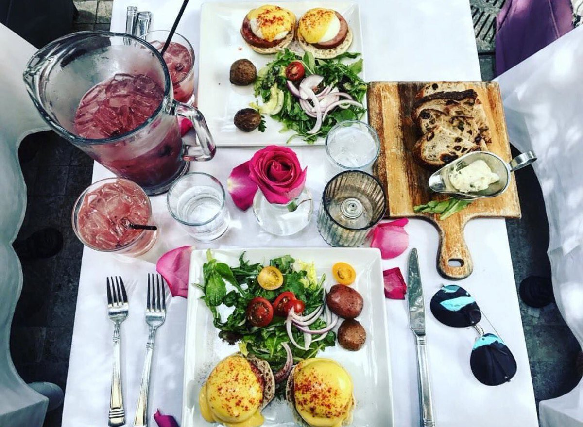Pump Restaurant On Twitter Have You Been To Our Weekend Brunch At Yet We The Clics Along With Pitchers Of Signature Tails