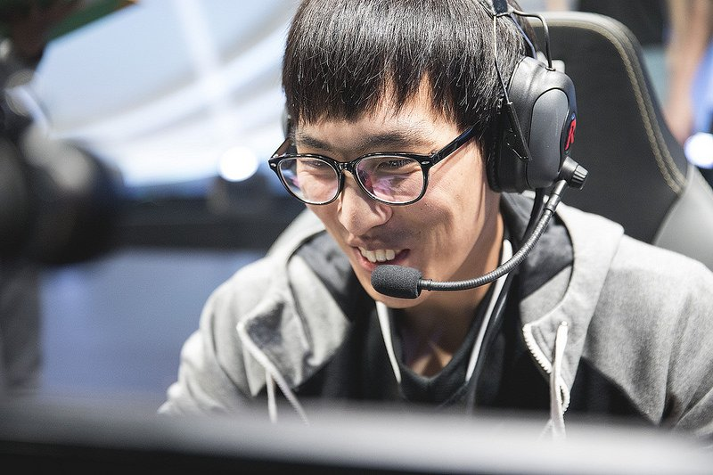 Doublelift is returning to play for TSM: https://dotesports.com/league-of-legends/doublelift-returns-to-team-solomid-summer-split-pro-play-14383…
