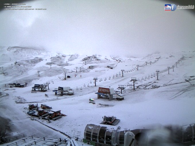 Vuelve a nevar en #SierraNevada!! ❄️🙂 #infonieve #elveranopuedeesperar