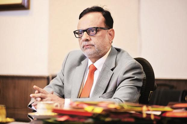Of 15 lakh reg cos, 8-9 lakh not filing annual returns w/ corp affairs min. They're potential threat for money laundering: Rev Secy @adhia03