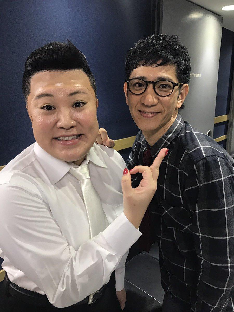ザキヤマお兄ちゃんの代わりに、ネタやらしてもらいました!! 柴田さんと宣材写真風に撮ってみたよ。 えりあしが、ほぼ本人