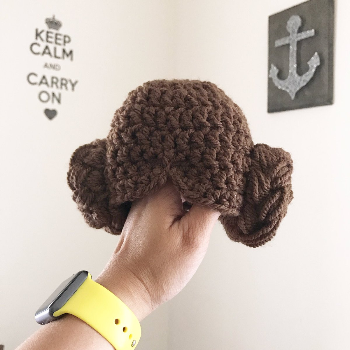 Good morning world. Made this Princess Leia beanie awhile ago and it&#39;s ready to ship to Virginia. #crochet #starwars #princessleia <br>http://pic.twitter.com/YcsDY9pNh5