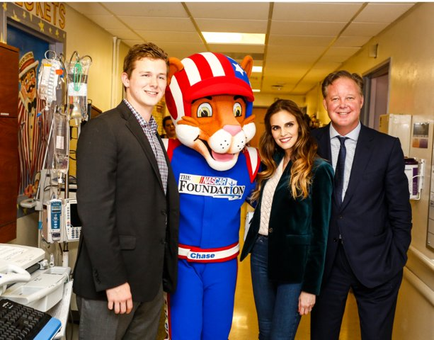 #NASCAR's first family sets pace for philanthropy efforts  http:// fxn.ws/2qijAtO  &nbsp;  <br>http://pic.twitter.com/hSxd4200gf