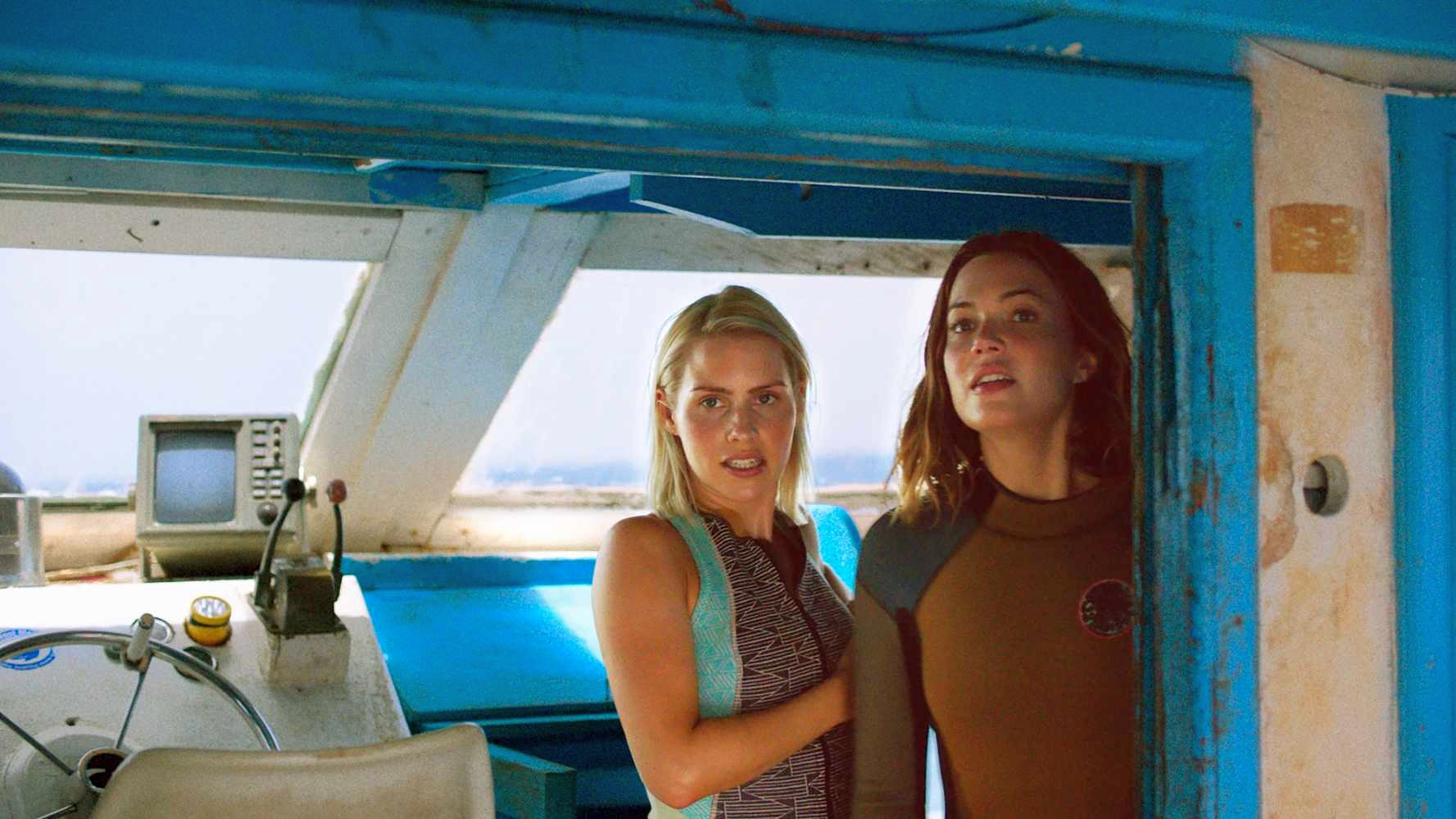47 Meters Down Trailer Featuring Mandy Moore & Claire Holt
