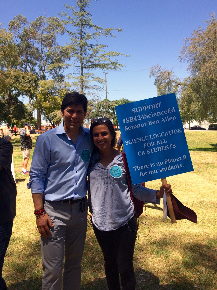 TY @kdeleon for your #enviro advocacy! #SB424ScienceEd @BenAllenCA #enviroliteracy is crucial for students and their future #climatemarch<br>http://pic.twitter.com/NebxUhdcQY