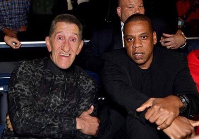 Whatever happens tonight, this ring side pic will never be surpassed.  Jay Z and Barry Chuckle.  Fucking priceless.