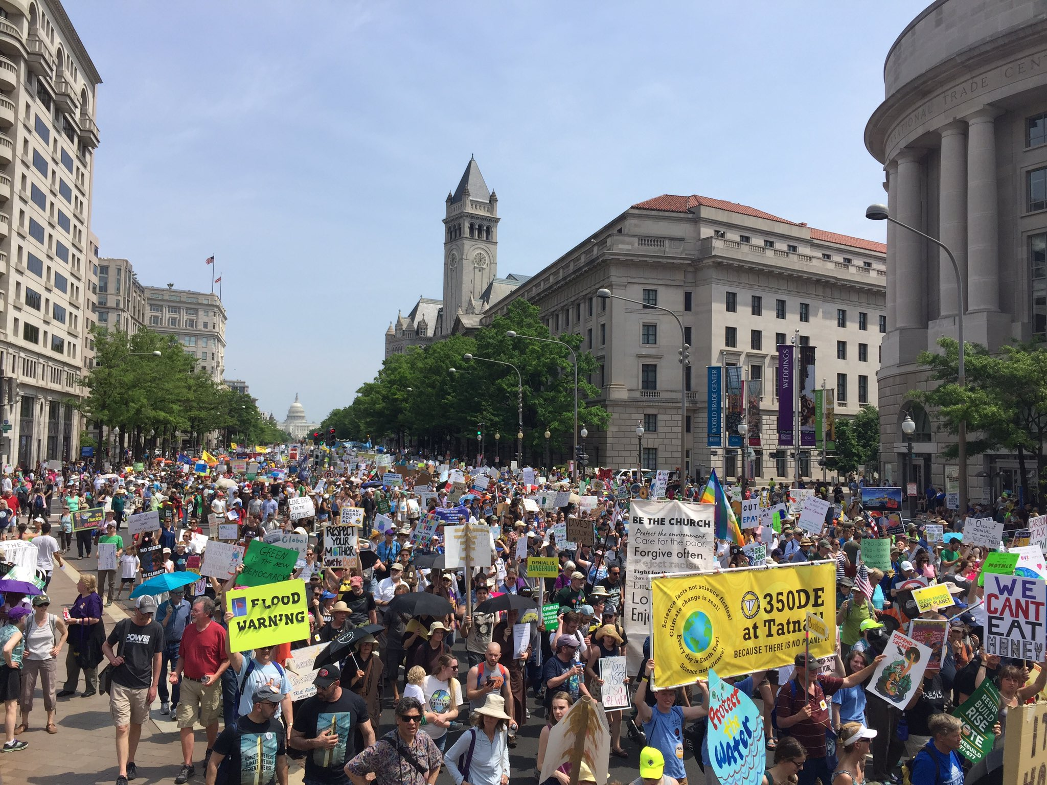 Indigenous leaders. Workers. Environmentalists. People of faith. All united to protect God's Creation. #climatemarch https://t.co/P87FomDpOx