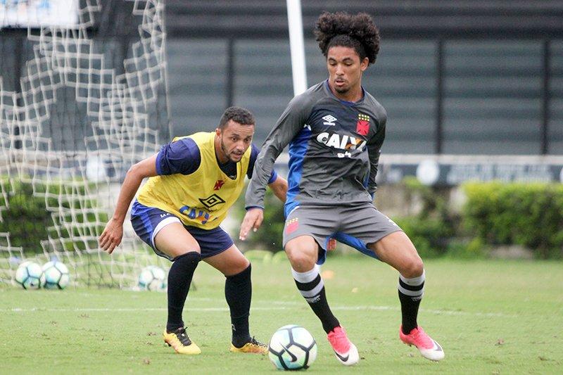 Vasco vence Sampaio Corrêa RJ em jogo-treino. Confira as informações no  Site Oficial  http   bit.ly 2oTvJ6D 456493d8761c7