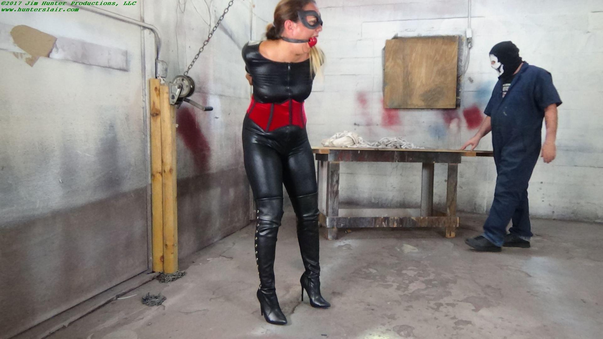 Lauren hayes thrills pornstar