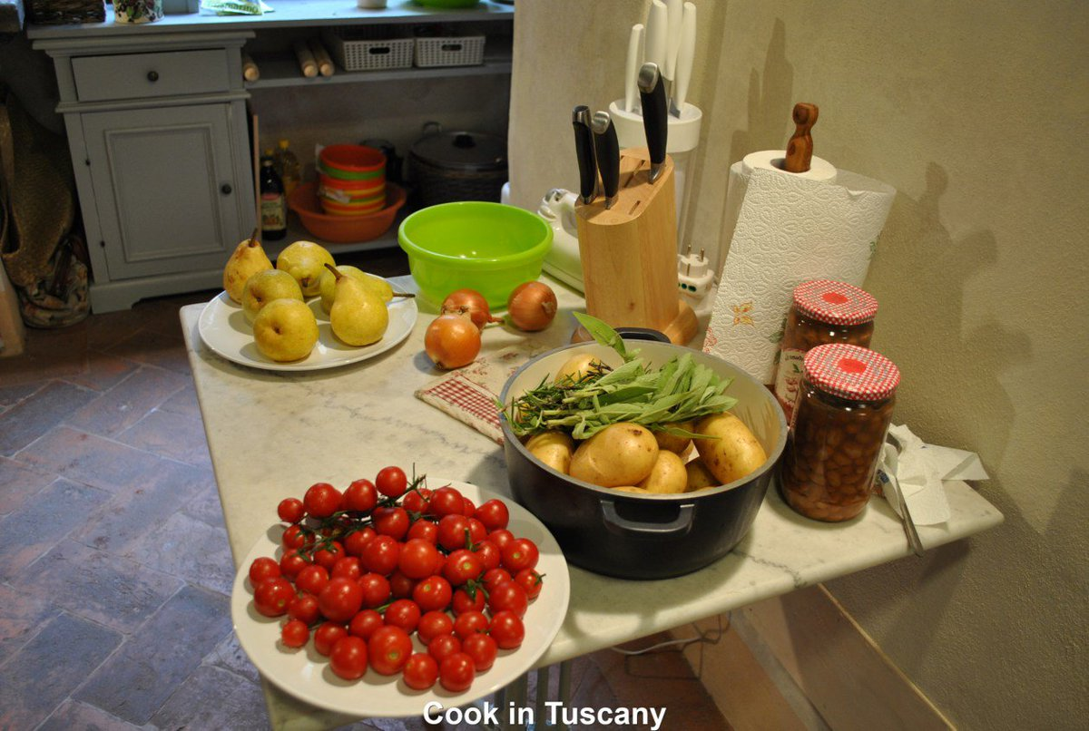 Cooking in Cortona  http://www. cookintuscany.com  &nbsp;   #tuscany #montefollonico #cookintuscany #Ita  https://www. trrvel.com/2017/03/10/coo king-in-cortona/?utm_source=ReviveOldPost&amp;utm_medium=social&amp;utm_campaign=ReviveOldPost &nbsp; … <br>http://pic.twitter.com/XXqEmdpmdR