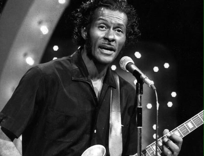 Chuck Berry doing a &quot;Chuck Berry&quot; Classic &quot;Maybellene&quot; #rocknroll #ChuckBerry #Radio #nostalgia #music     https:// youtu.be/_ivw6i5tAdE  &nbsp;  <br>http://pic.twitter.com/0zOHTjFHbC