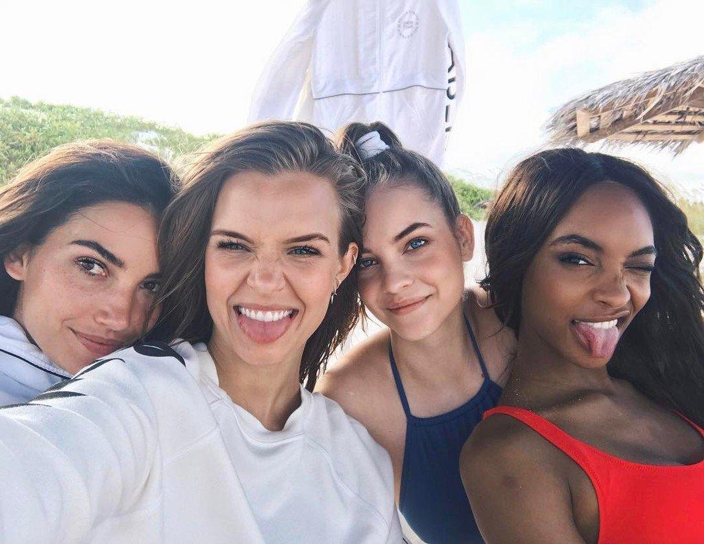 my babes!! ❤️❤️❤️ https://t.co/QjTCgagXc5
