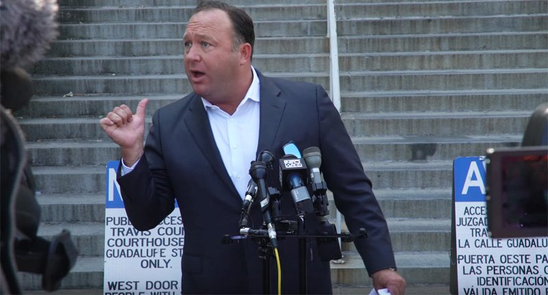 WATCH: Alex Jones holds bonkers press conference to rip reporters — and warn about 'human animal chimeras' https://t.co/iaPxXCCsSh