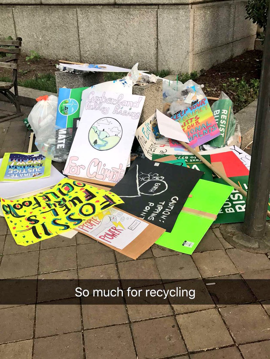 I guess all those #ClimateMarchDC people who worship #Earth and care so much about the only do so in theory. That&#39;s #NotARecycleBin <br>http://pic.twitter.com/XH8OsHZ0om