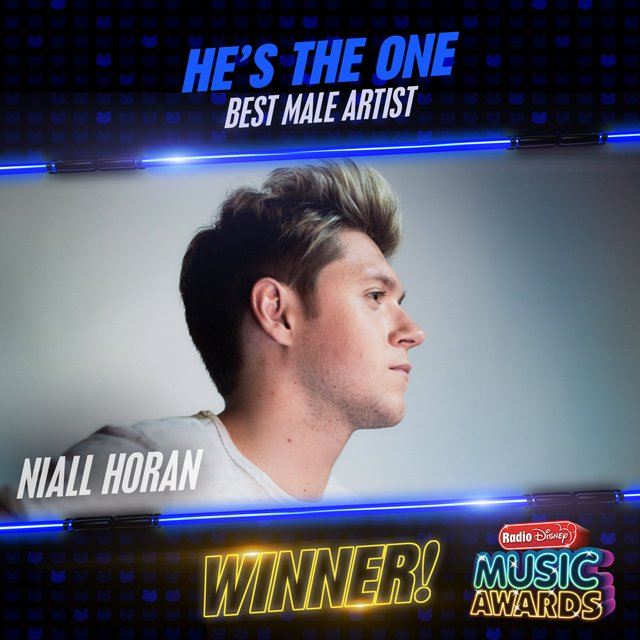 And the #RDMA Best Male Artist goes to @NiallOfficial! Congratulations! #HesTheOne https://t.co/iLeAU26AxW
