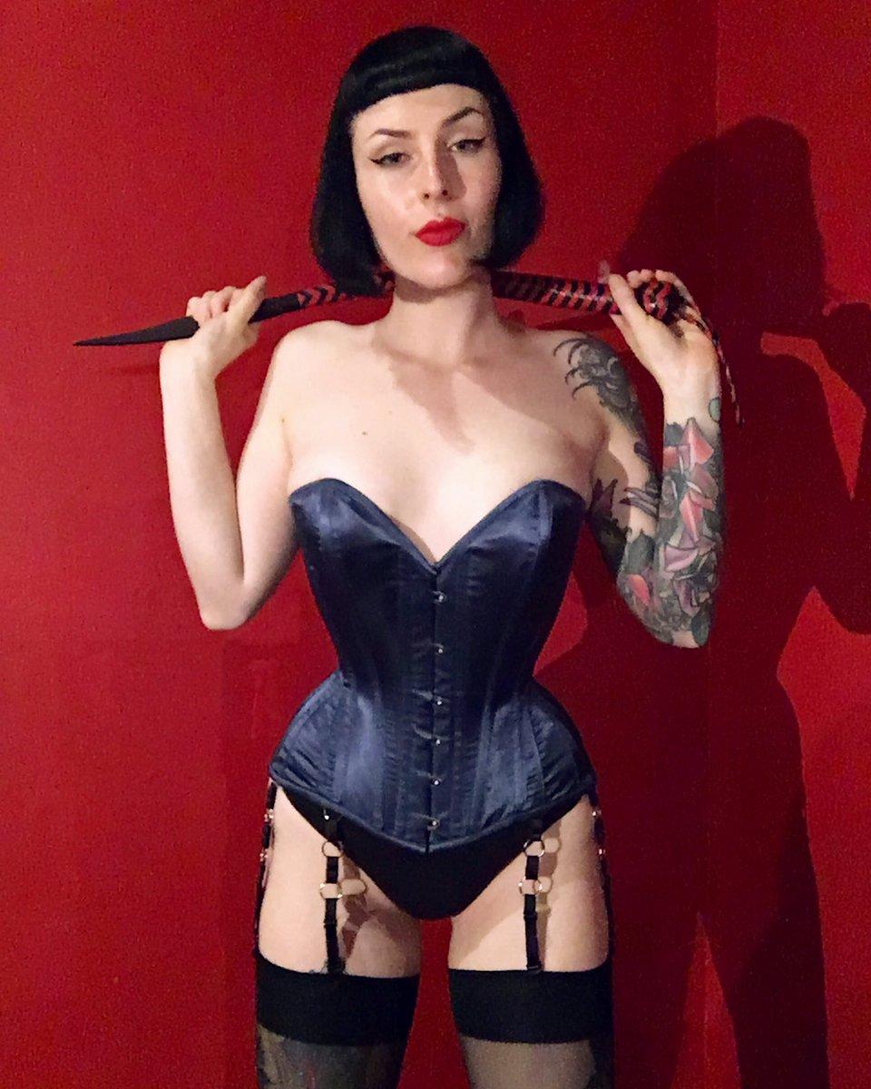 lingerie Femdom dominatrix