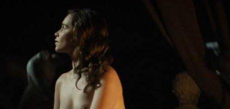 Emilia Clarke Emilia Clarke Desnuda En Nuevo Filme Voz Piedra