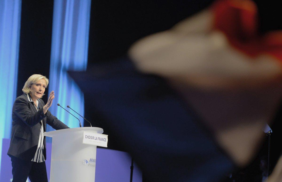 «Nous aurons une monnaie nationale», assure #MarineLePen https://t.co/1IpPCHariv