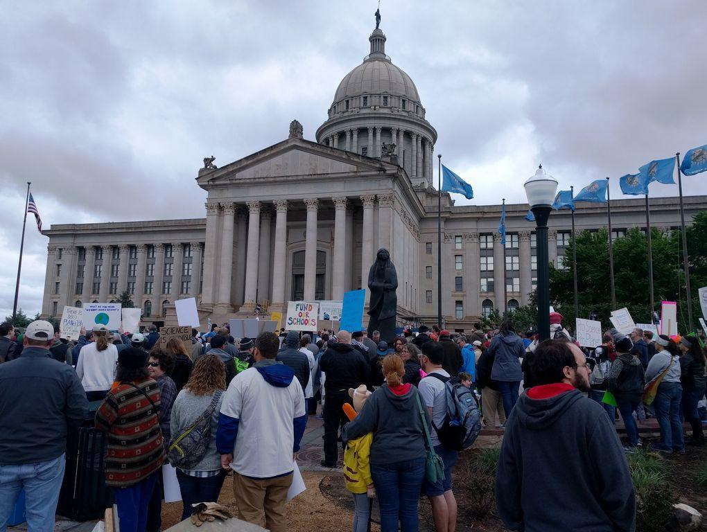 Gardens of the Cross Timbers: Rally for the Earth - Shawnee News Star  http:// dlvr.it/P1hv9N  &nbsp;   #earth <br>http://pic.twitter.com/ktFttULhbn