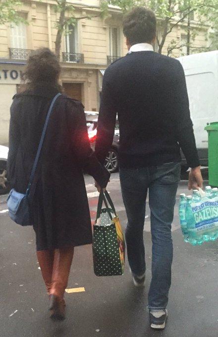L'amour, c'est regarder dans la même direction, et porter à deux le sac des commissions.