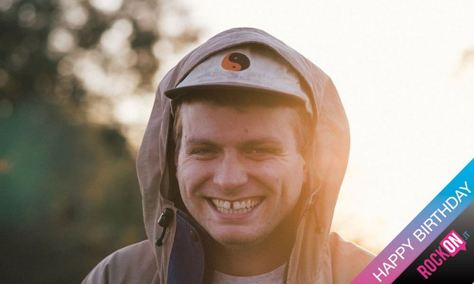 RT@ rockonitalia Happy Birthday Mac DeMarco!