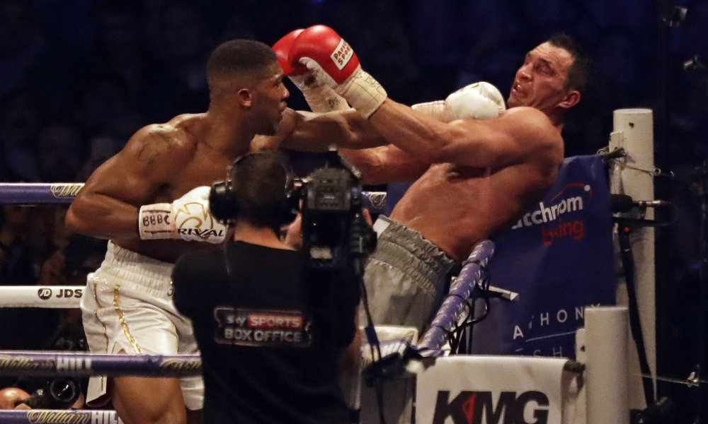 "Joshua va sotto, reagisce e mette KO Klitschko, l'ucraino: ""Ha vinto la boxe, ... - https://t.co/GgFxBL1VB3 #blogsicilianotizie #todaysport"