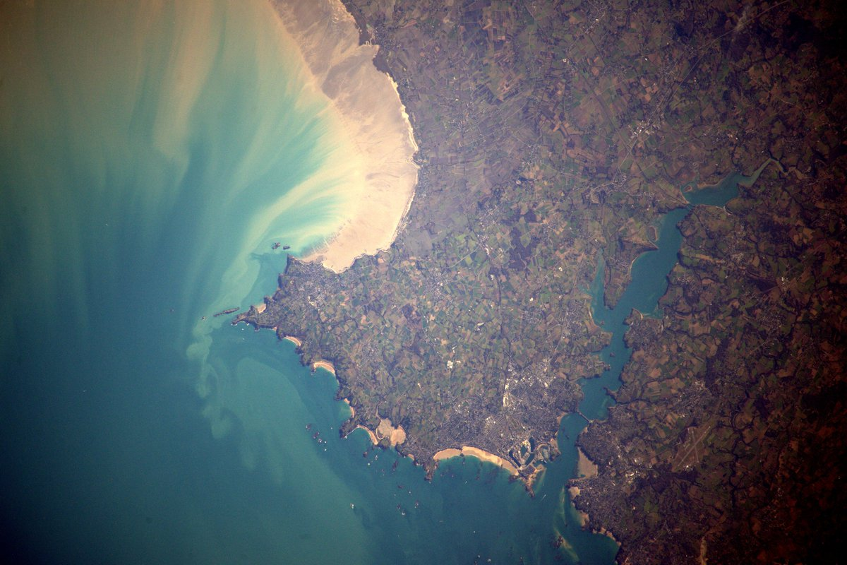The Northern Brittany coast near St Malo. I love the interplay of sand and sea https://t.co/om98dP2ALC #France