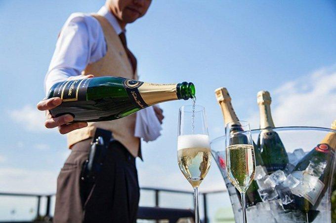 ホテル椿山荘東京の空中庭園で数種のシャンパン飲み放題、「シャンパンガーデン」が今年も開催 - https://t.co/Ve83oVMLDw