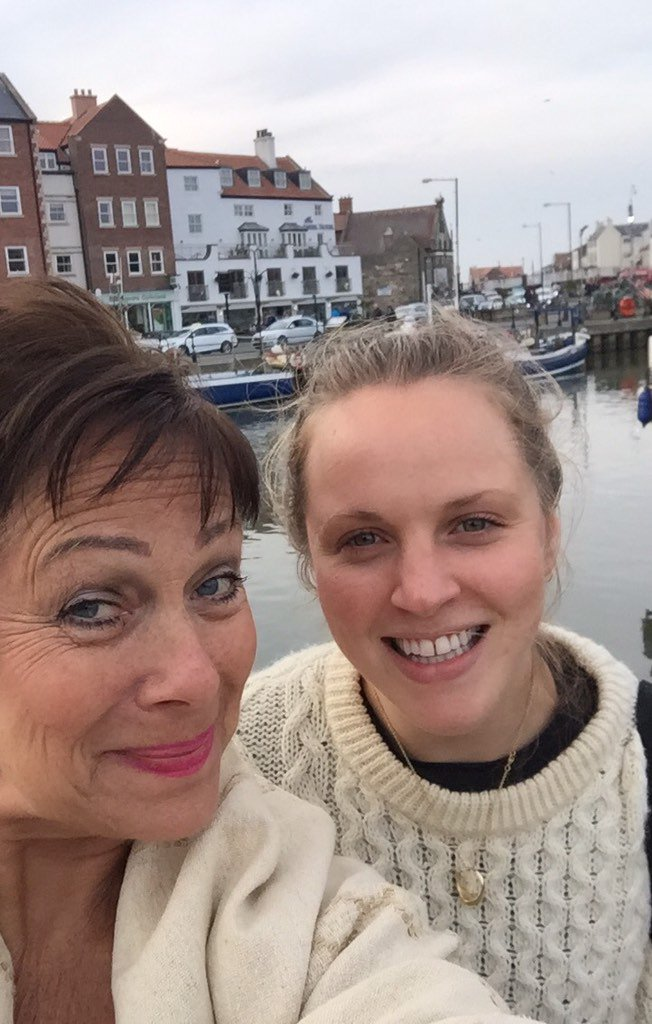 Fish and chips in Whitby with @EllaMatildaB! @LighterLifeFast day tmrw & @scarboroughbook https://t.co/HhkIFb8n5A