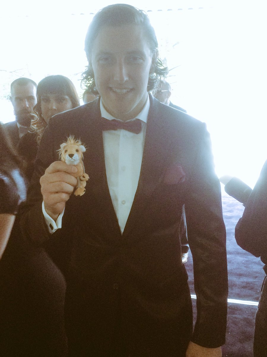 PIC: @michaelhefele has brought a miniature lion to the #HTAFCAnnualAw...