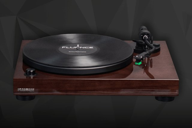 Music lovers, listen up! We're giving away a @Fluance RT81 Turntable, courtesy of Digital Trends & ! @themanualguidehttps://t.co/TfBzKUDnRP