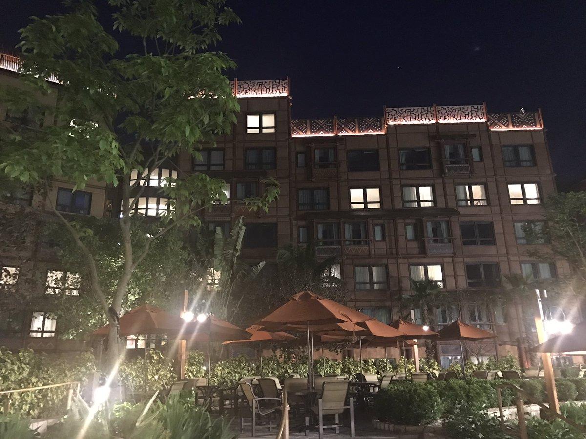 ホテルはアウラニとキングダムロッジのような雰囲気でした。最初の計画出たイメージとは想像以上に良くて気に入りました。プールがある雰囲気などもアウラニの作りと凄く近くて香港に居る事を少し忘れそうな印象でした。