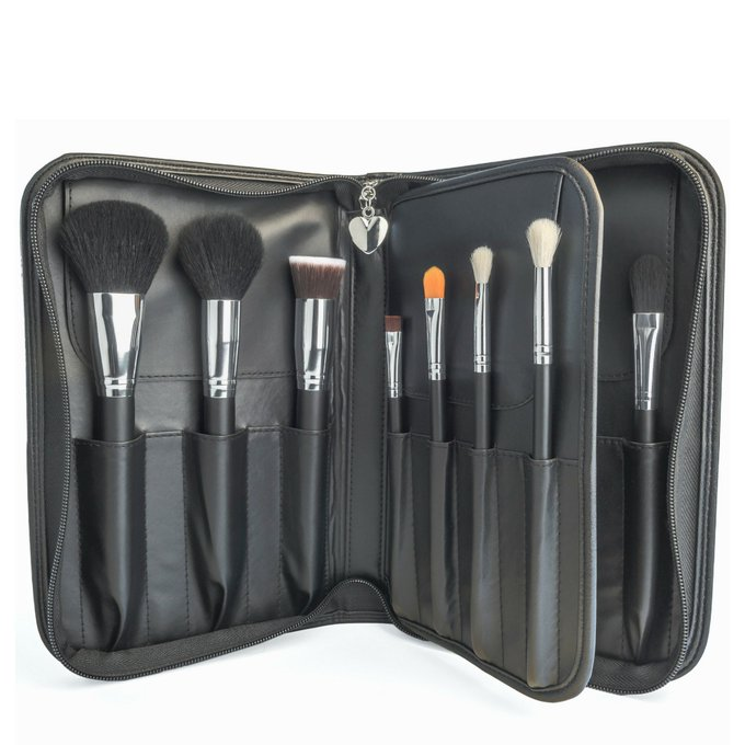 Win A Makeup Brush Set by Bella and Bear