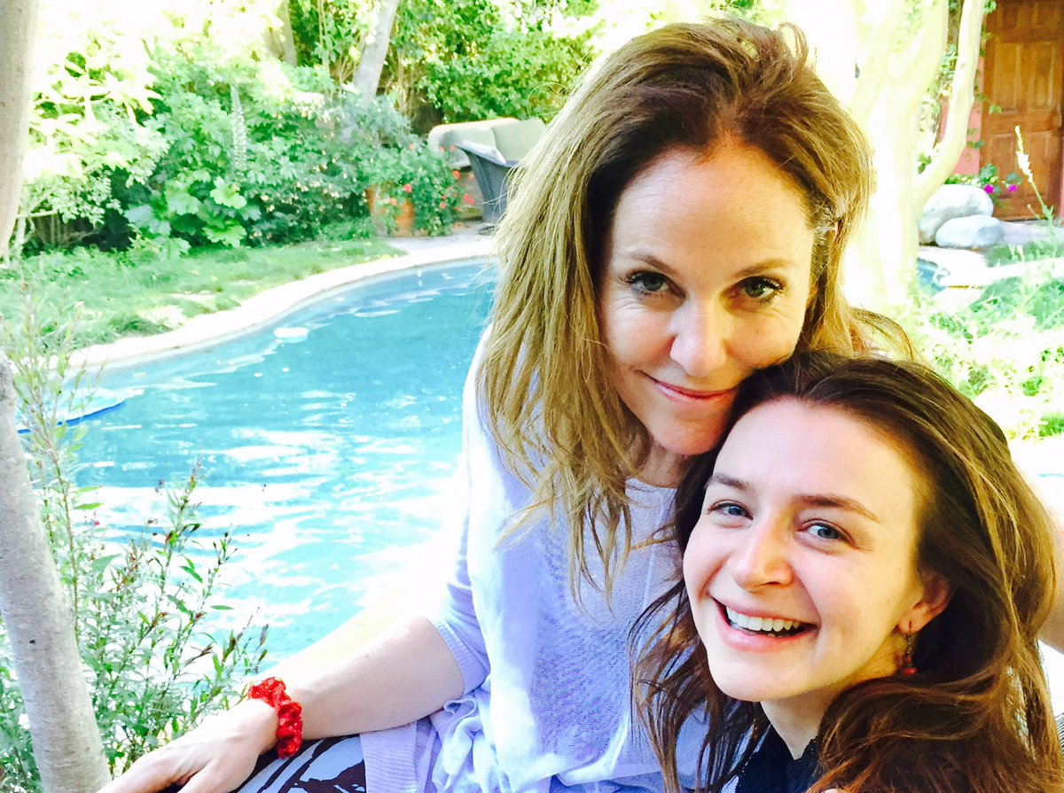 Look who came to see me on this beautiful California day. Love me my @caterinatweets. https://t.co/4AO9SQdNEv