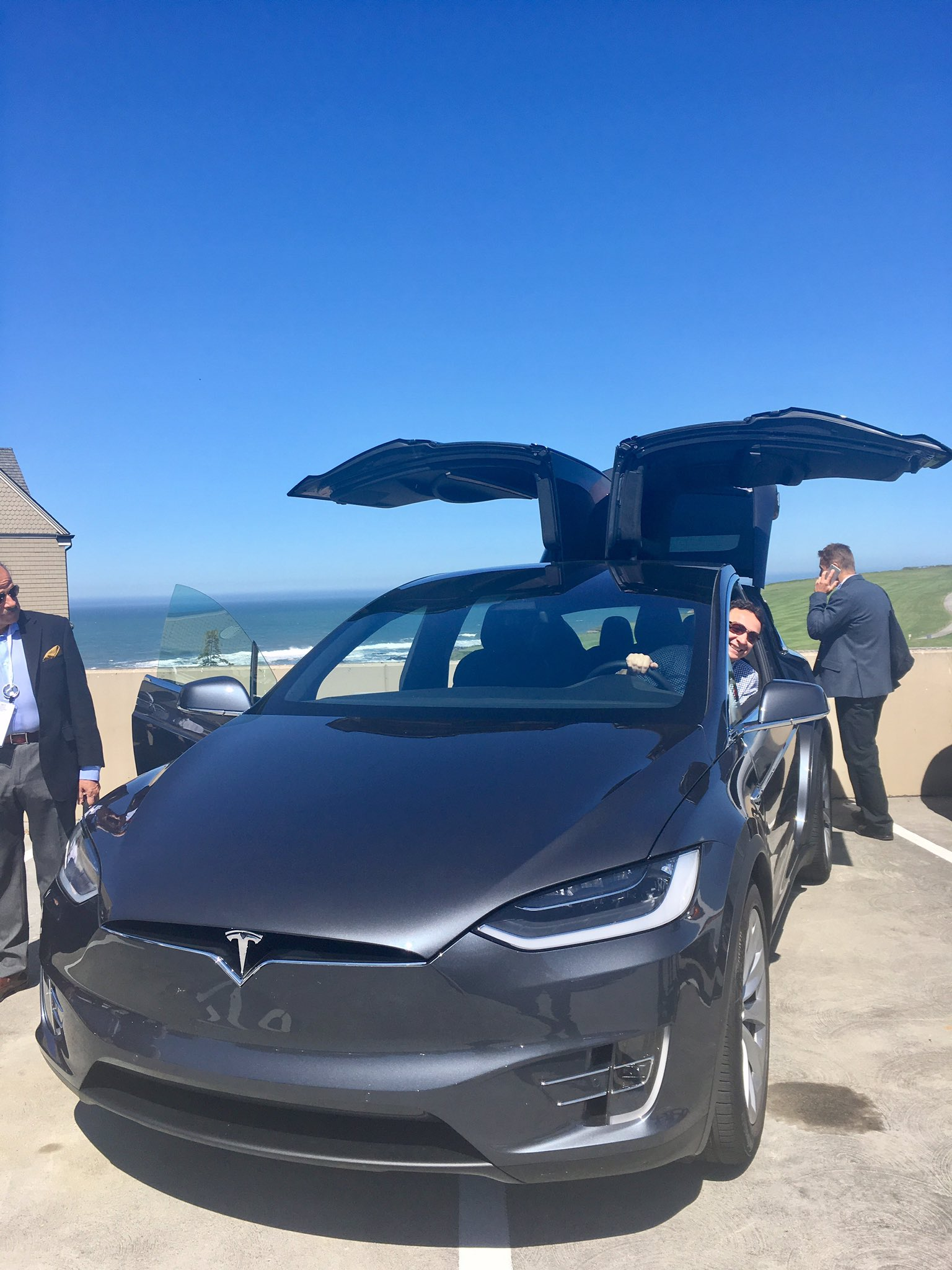 @EndeavorBG Managing Director @MomchilVassilev tests out a @TeslaMotors car #EndeavorRetreat https://t.co/aFVzBAq5m7