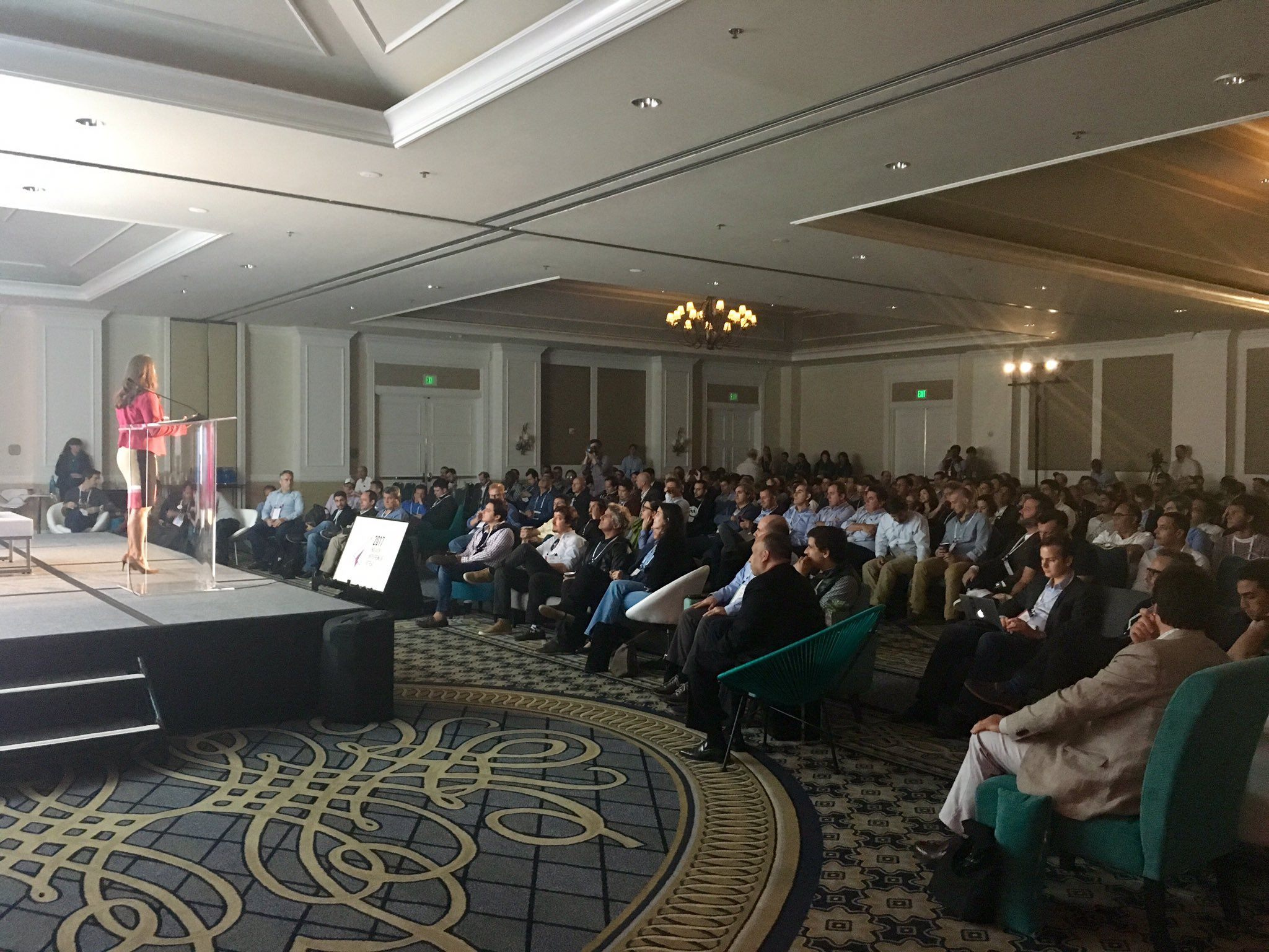 Packed house of #endeavorentrepreneurs representing nearly 30 countries as we open the #endeavorretreat on the main stage https://t.co/ZZBcsVh6Jf