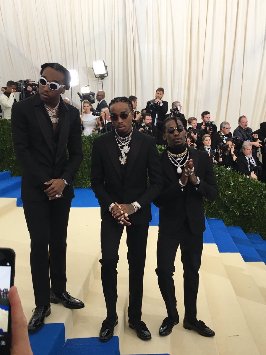 Rap trio @Migos make their #MetGala debut to celebrate #MetKawakubo in @Versace. #Migos https://t.co/xk8UzOhylw