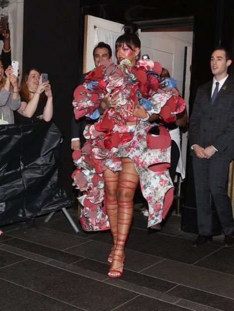 And now everyone can go home because #Rihanna, as usual, pays attention to the damn THEME! #metgala https://t.co/JbyFERaI57