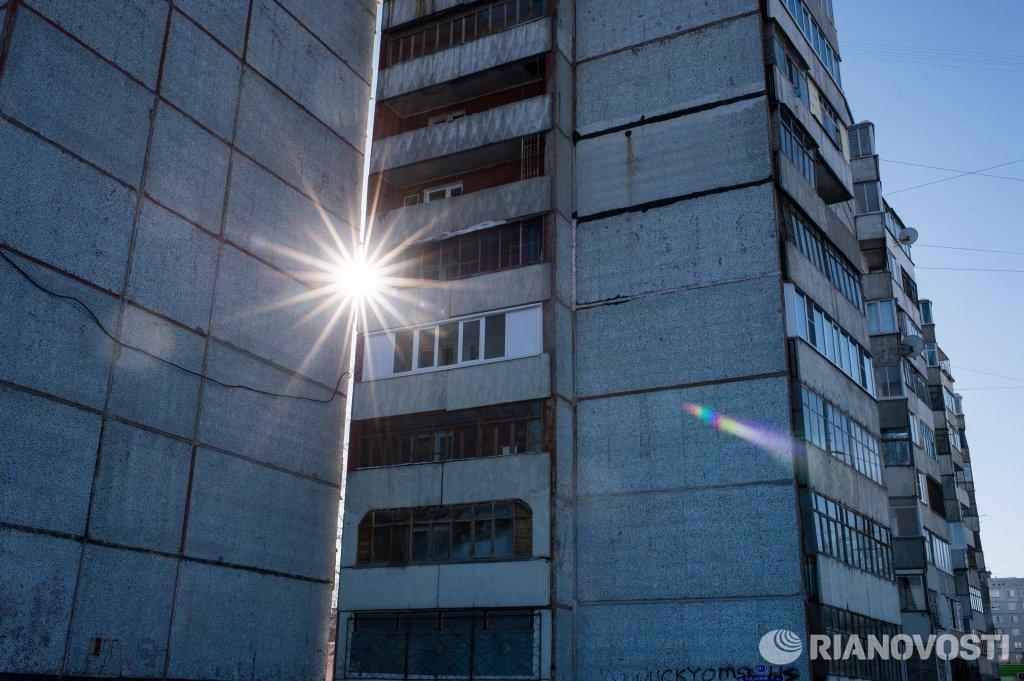 Житель москвы погиб при попытке сделать селфи на балконе 20 .