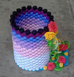 How to make Paper Quilling Pen holder
