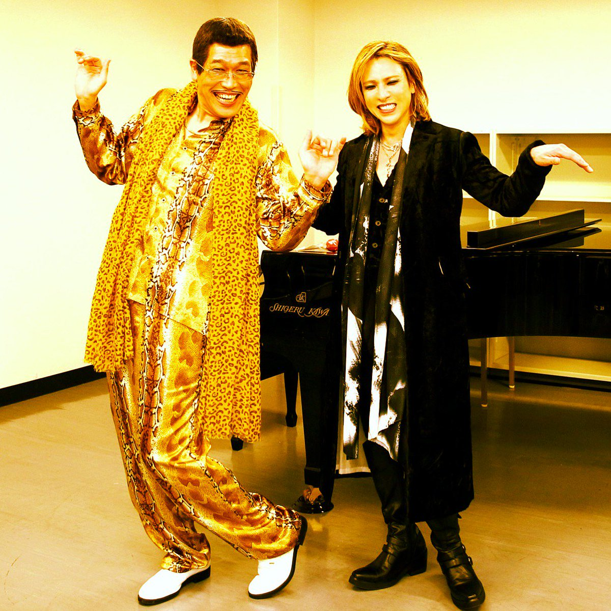 I have an #X. I have #Japan. Uh!..#XJAPAN! @pikotaro_ppap #ppap https://t.co/AfQcblnFDm https://t.co/iwTVVGXwOy