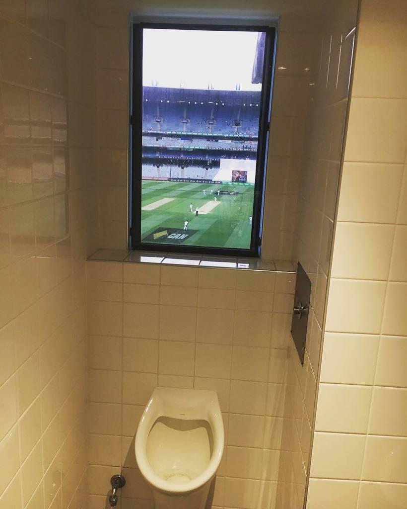 MCC committee room toilet - still the king of toilets. https://t.co/5GokalLWLO https://t.co/e0K8j6GBcI