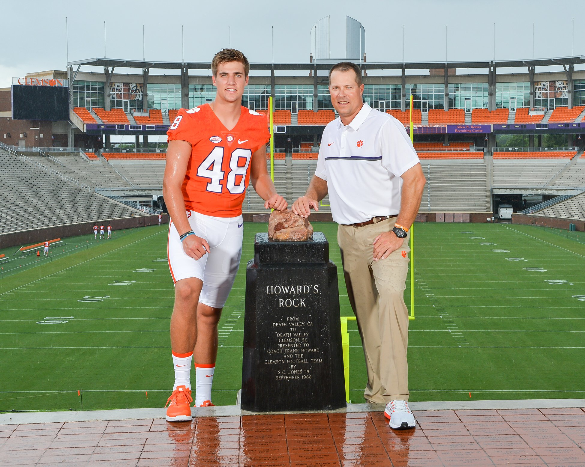 #TBT - Former Tiger Bill Spiers on Picture Day w/his son, Will, in August. Bill is a student asst. with @ClemsonFB. https://t.co/uAap5tCBtV
