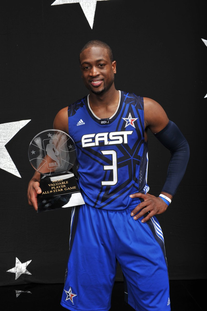 """@chicagobulls: Let's send @DwyaneWade back to the All-Star game! #NBAVote #TBT https://t.co/QnQIJJssXc"""