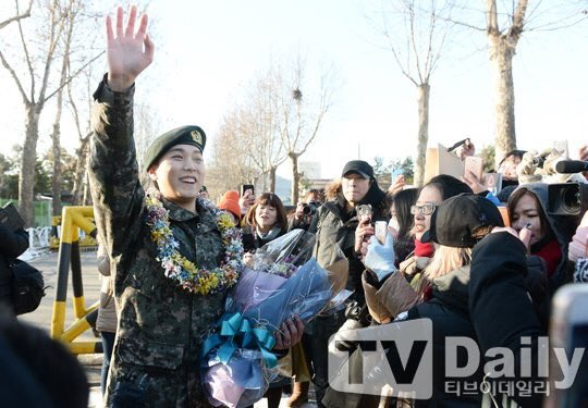 #WelcomeBackSungmin #SungminIsBack Lee Sungmin: a soldier full of cuteness and happiness https://t.co/xJqjMiRVIB